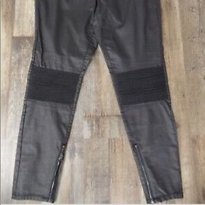 Black faux leather moto jeggings Mossimo size 10